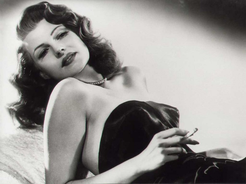 rita_hayworth_wallpaper011-800x600
